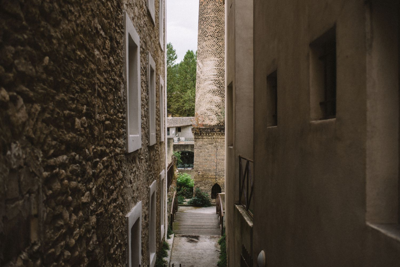 Fontaine de Vaucluse Travel Adventure