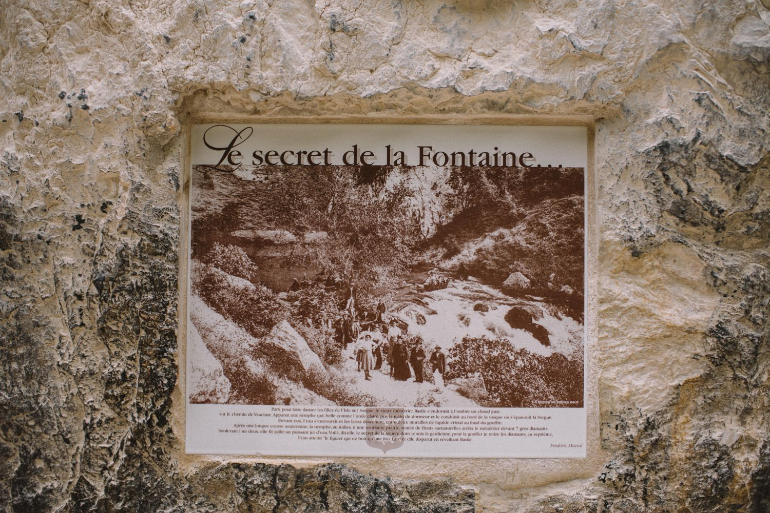 Fontaine de Vaucluse Travel Adventure